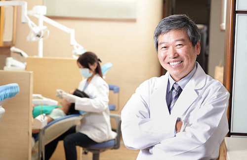 歯科医 インプラント
