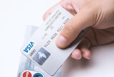 営業マンのカード払いの勧め方