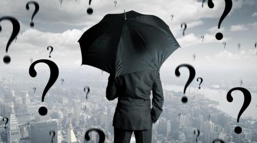 倒産回避:銀行は雨の日に傘をかさない